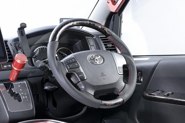 【ハイエース カスタム】ハンドル交換するならこれ!運転しやすくなります!