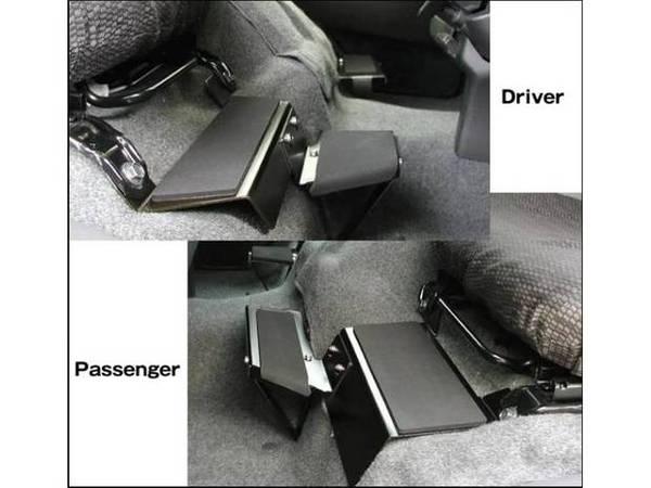 【ハイエース カスタム】長距離運転する方必見!足元付近にこれを付けるだけで運転が快適になる!