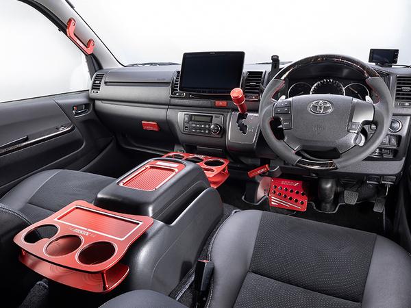 【ハイエース インテリア カスタム】車内のインテリアを変えたい!DIYで取付可能な商品をご紹介