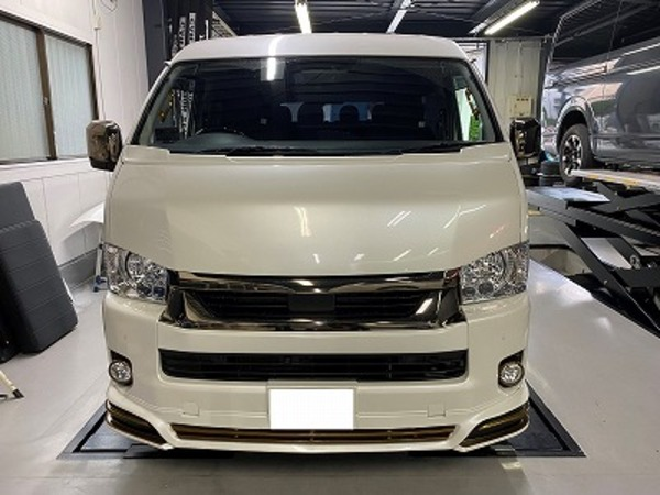【ハイエース カスタム】CRS大阪店のPIT作業のご紹介!カッコイイ車両がどんどんとCRSに!
