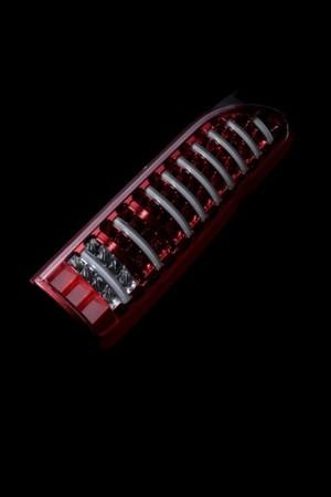 ヴァレンティ ハイエース用 LEDテールTRADシーケンシャル クリア/レッドクローム
